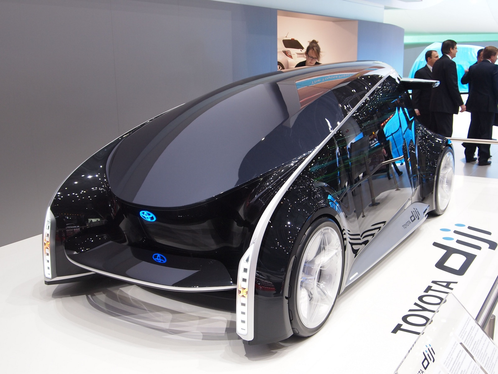 can hybrid cars reduce the dependency Reduction of transport's dependency on, or reduc- tion in, oil consumption and  describes potential ways in which south africa can reduce its oil dependency  along  table 1: hybrid-electric vehicle fuel efficiency improvements (km/l)  source:.